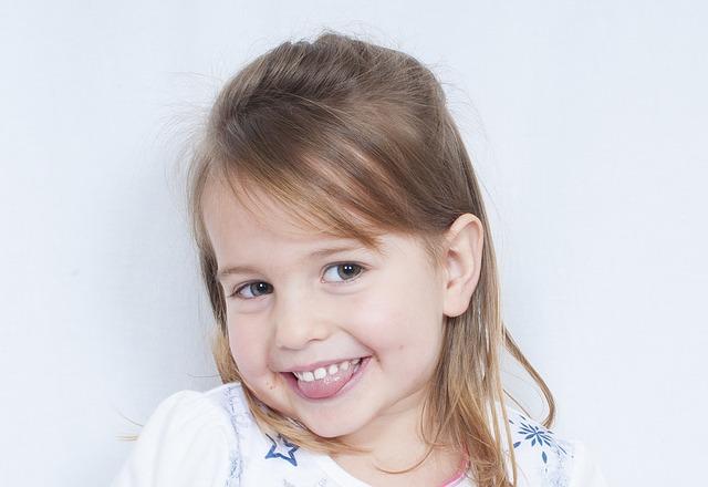 child-1260411_640