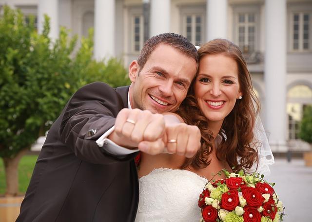 wedding-1787954_640